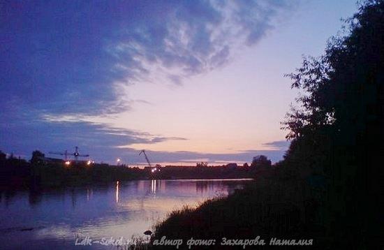 на берегу реку Сухона: город Сокол