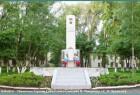 памятник героям Советского Союза С. Н. Орешкову и Н. В. Мамонову