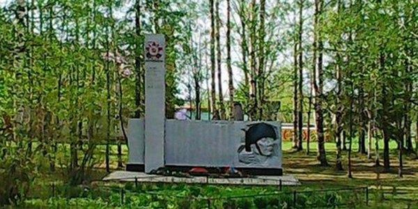 Чучково: Памятник-обелиск воинам, погибшим в ВОВ