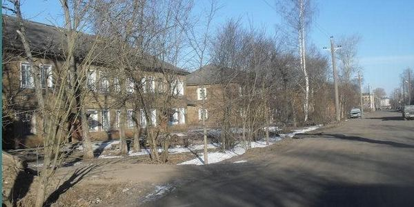 Улица Архангельская начала застраиваться в конце тридцатых годов двадцатого века.