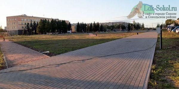 площадь перед зданием Администрации в Соколе