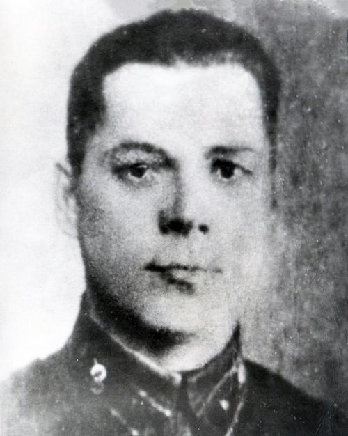 Гвардии младший лейтенант Сергей Николаевич Орешков