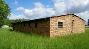 Уцелевшие бараки, тип 2. Шталаг IID, зона для советских военнопленных г. Старгард (Польша)