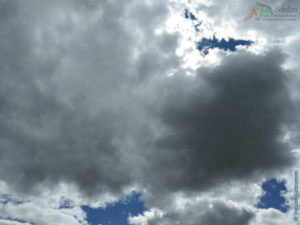 Облака над кладбищем