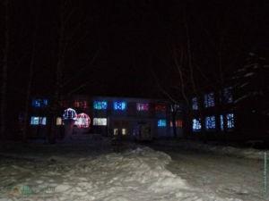 Новогодние арт-объекты возле ДК Сокольского ЦБК в Соколе